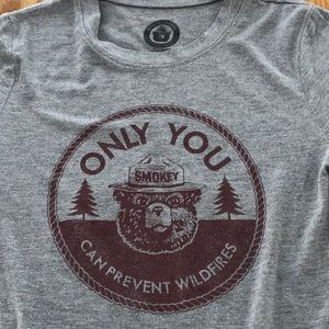 Tops - SMOKEY BEAR tee